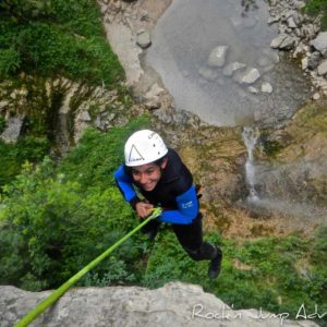 canyoning canyon rafting canoe proche pays de gex geneve lausanne nyon jura st claude bugey chaley lyon grosdar coiserette tessin guide famille enfants ados amis evg evjf anniversaire 13