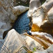 canyoning canyon rafting canoe proche pays de gex geneve lausanne nyon jura st claude bugey chaley lyon grosdar coiserette tessin guide famille enfants ados amis evg evjf anniversaire 19