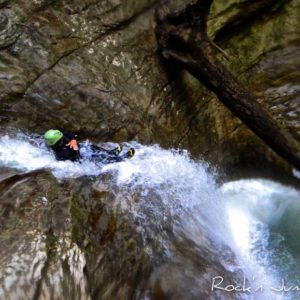 canyoning canyon rafting canoe proche pays de gex geneve lausanne nyon jura st claude bugey chaley lyon grosdar coiserette tessin guide famille enfants ados amis evg evjf anniversaire 62