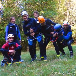canyoning canyon rafting canoe proche pays de gex geneve lausanne nyon jura st claude bugey chaley lyon grosdar coiserette tessin guide famille enfants ados amis evg evjf anniversaire 64