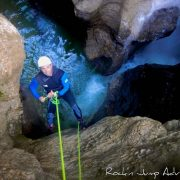 canyoning canyon rafting canoe proche pays de gex geneve lausanne nyon jura st claude bugey chaley lyon grosdar coiserette tessin guide famille enfants ados amis evg evjf anniversaire 72