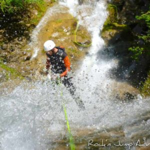 canyoning canyon rafting canoe proche pays de gex geneve lausanne nyon jura st claude bugey chaley lyon grosdar coiserette tessin guide famille enfants ados amis evg evjf anniversaire 80