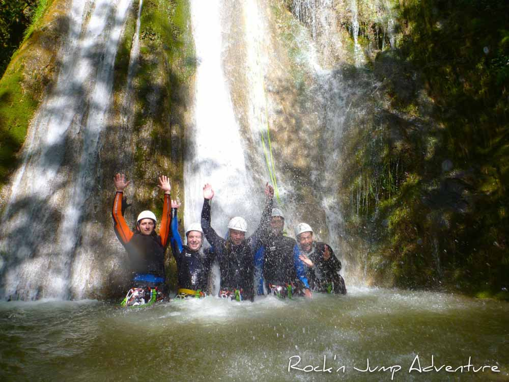 canyoning canyon rafting canoe proche pays de gex geneve lausanne nyon jura st claude bugey chaley lyon grosdar coiserette tessin guide famille enfants ados amis evg evjf anniversaire 86