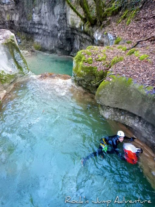 ice canyoning pays de gex geneve lausanne nyon ain bugey jura activités hiver sans neige