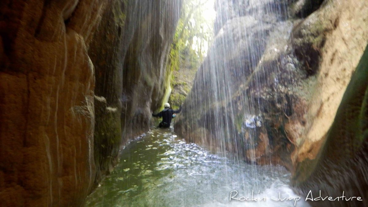 canyoning suspendu sandezanne pays de gex geneve lausanne nyon jura