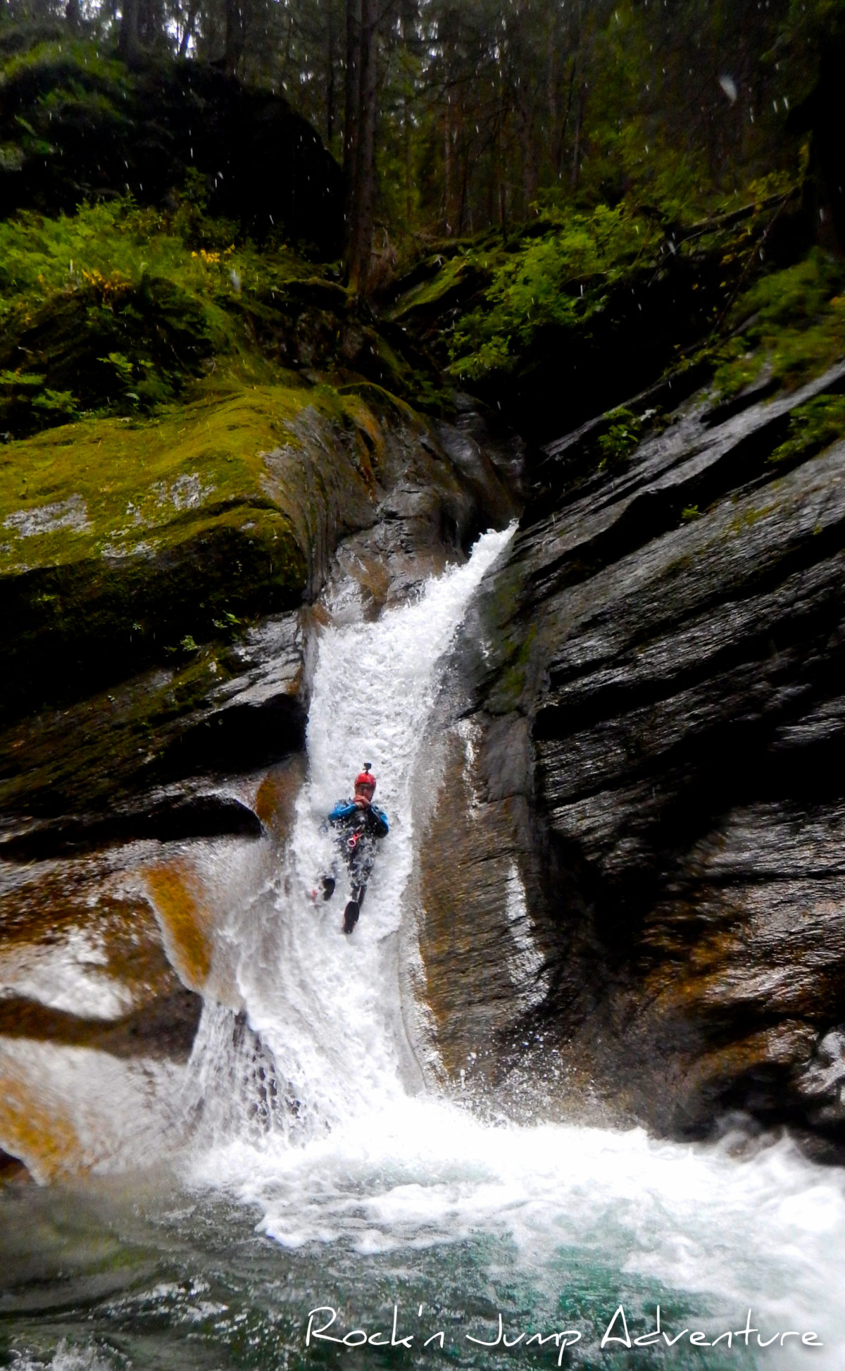 offre emploi moniteur canyoning